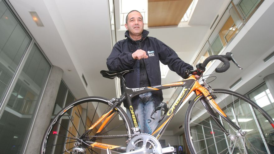 Conmoción en el ciclismo gallego por la repentina muerte del seleccionador Guillermo Sande