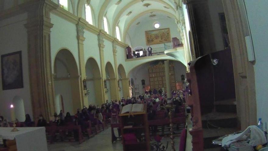 Desalojan una iglesia en Alhama de Murcia en la que había cerca de 200 personas
