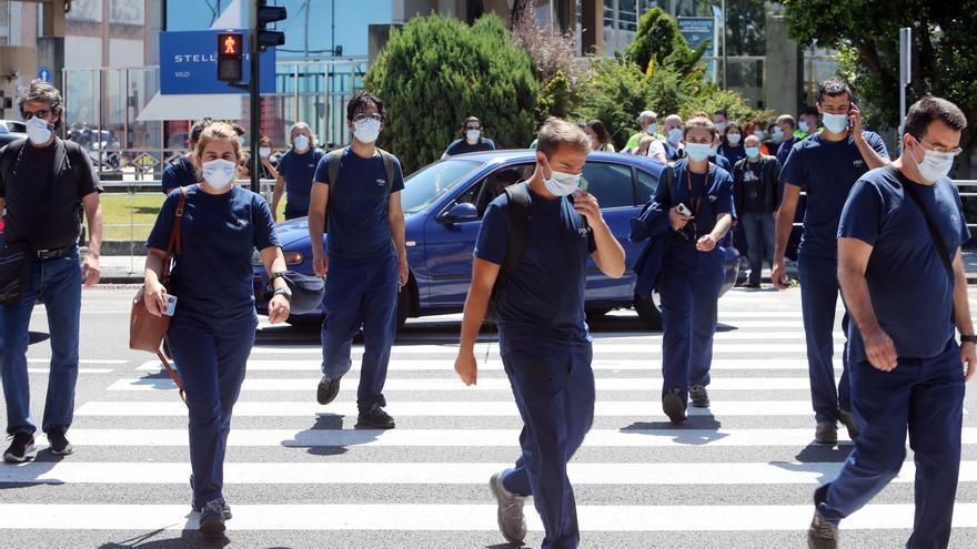 """La crisis de los chips suspende """"sine die"""" un turno de fin de semana en Stellantis Vigo"""
