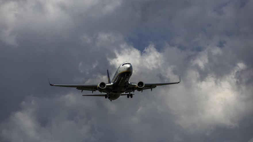 La borrasca 'Gloria' obliga a transportar mercancías a Mallorca en aviones