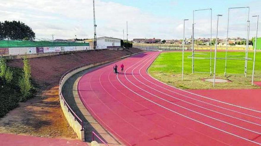 El Ayuntamiento de Toro acomete  la mejora de las pistas de atletismo del polideportivo