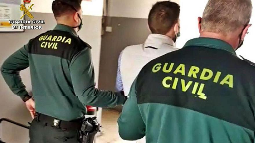 Un detenido en Sant Joan por robar y querer atropellar a su víctima después
