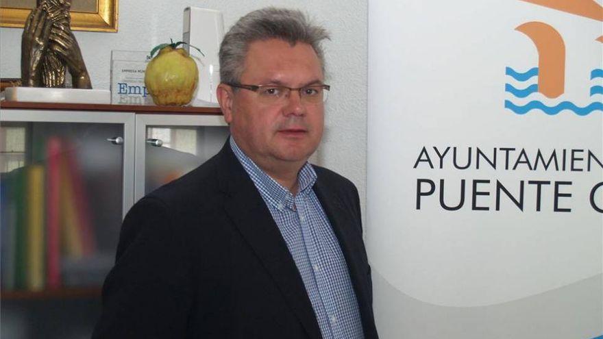 El alcalde de Puente Genil dice que no asegura la prórroga de Aqualia