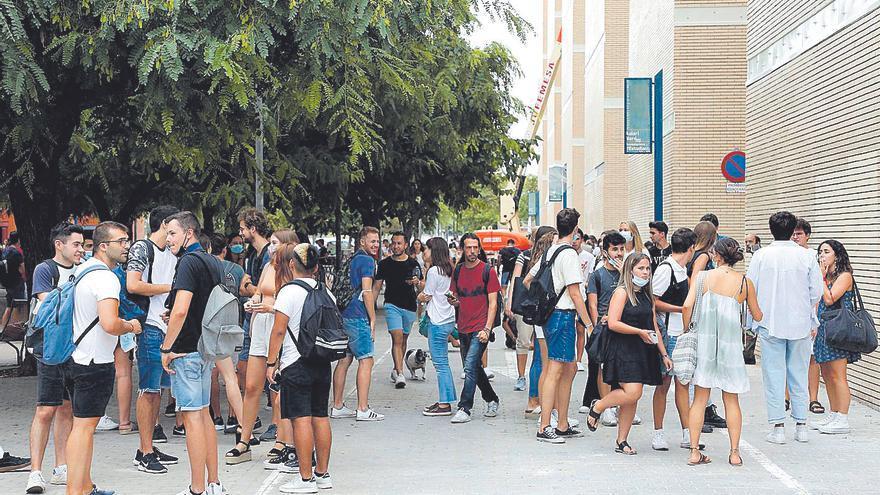 La tasa de valencianos con estudios superiores está por debajo de la media
