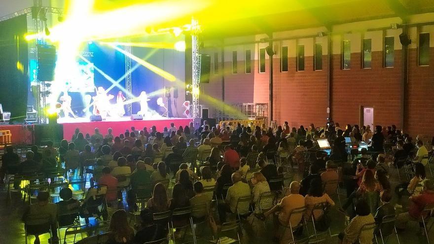 Más de 300 personas participan en el tributo a Queen en Figueroles