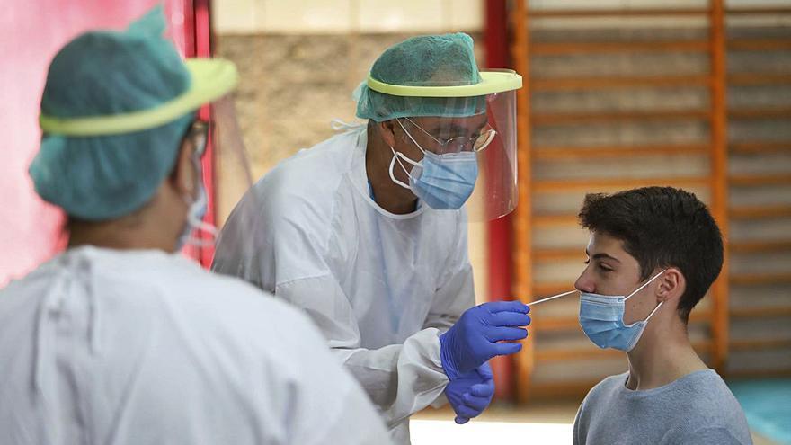 Canarias cuenta  con 66 docentes  y 169 alumnos contagiados