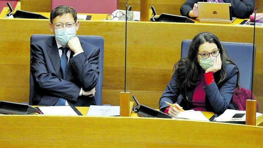 Compromís cierra filas con Oltra y el PP aprovecha la crisis del Botànic