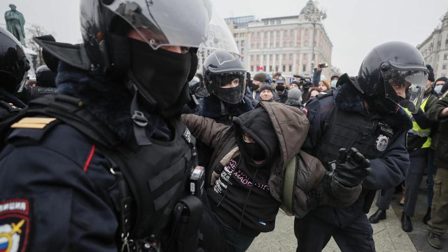 Decenas de detenidos en las protestas organizadas en Rusia contra la detención de Navalni