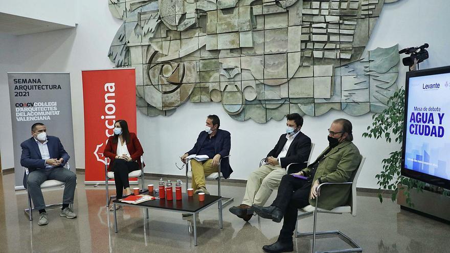 Mesa de debate: Agua y ciudad