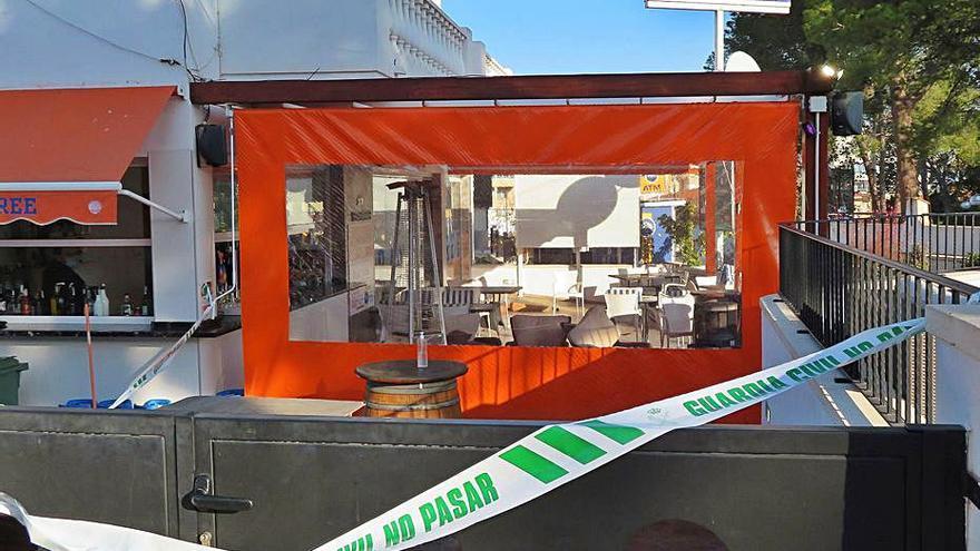 Un encapuchado tirotea a un ciudadano albanés en  un restaurante de Altea