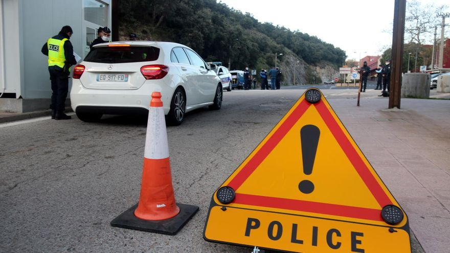 França reforça els controls fronterers al Pertús i Cervera de la Marenda