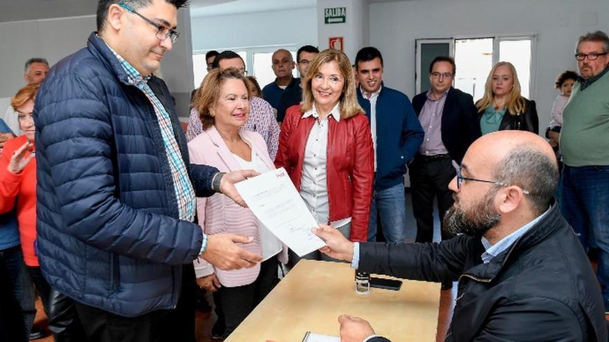 Pérez presenta una lista al PSOE capitalino con sólo un 13% de cargos públicos