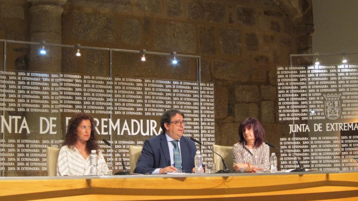 Los médicos de familia de Extremadura trabajarán por la tarde en verano para evitar la acumulación de consulta