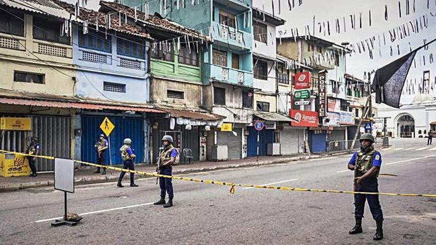 Al menos tres muertos en una redada contra la red del ISIS en Sri Lanka