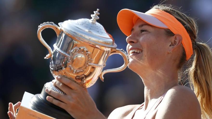Sharapova comparte su número de teléfono para charlar con aficionados