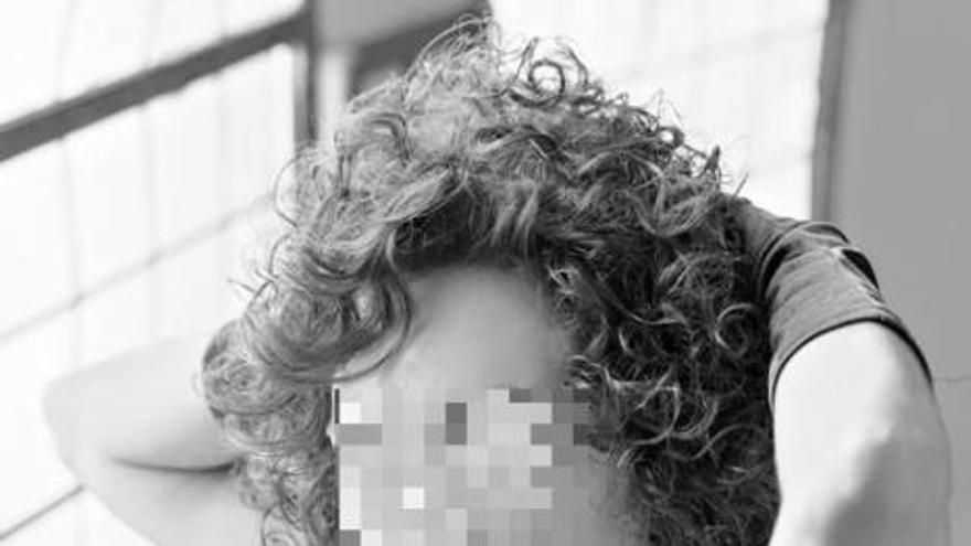 Polémica en Jacarilla por el uso de un palacio municipal para un reportaje erótico