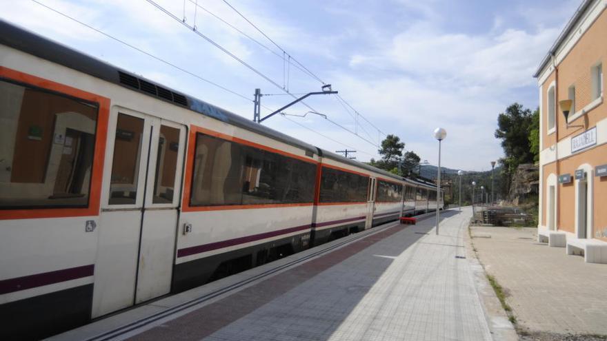 Evacuen 28 passatgers d'un tren avariat de la línia de Manresa a Lleida