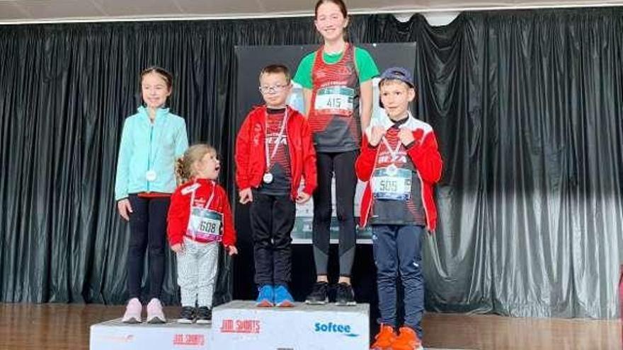 Xiana Corredoira gana en Monterroso la carrera popular de categoría Sub 14