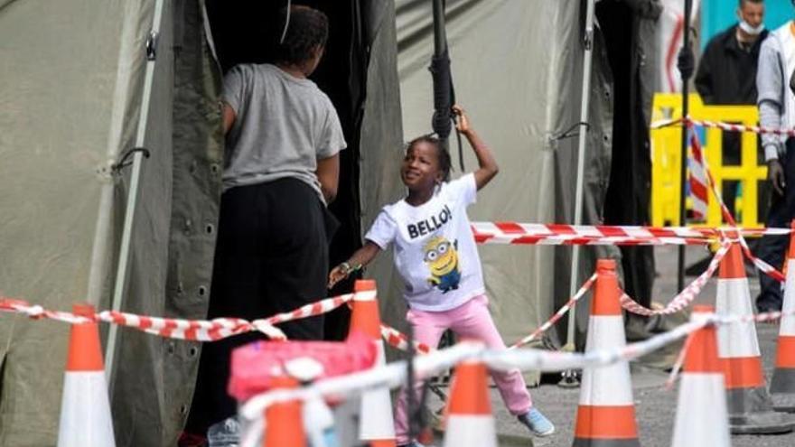 """Mogán quire un campamento militar para los inmigrantes """"de inmediato"""""""