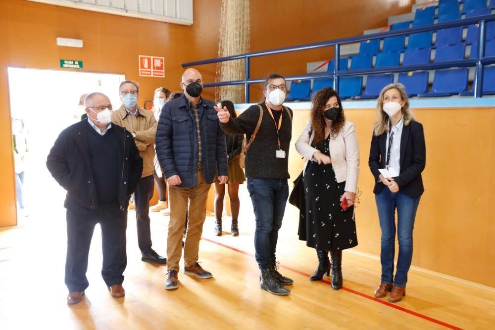 Pilar Costa visita el dispositivo de cribado de Santa Eulària.