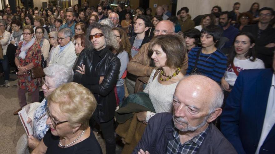 Artistas gallegos reivindican el MAC en la apertura de su última exposición
