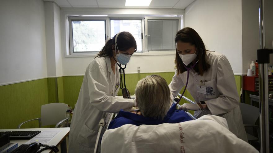 Denuncian que ancianos ingresados en el Santa Lucía no han recibido su vacuna contra la covid