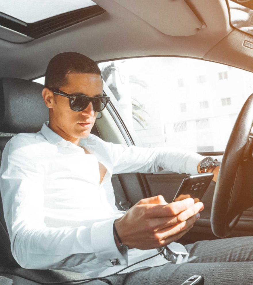 Nueva campaña de la DGT: 216 cámaras vigilan el uso del móvil al volante
