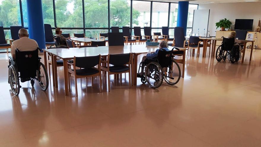 El Centre Sociosanitari Bernat Jaume permet, a partir de dilluns, l'entrada de visites i acompanyants