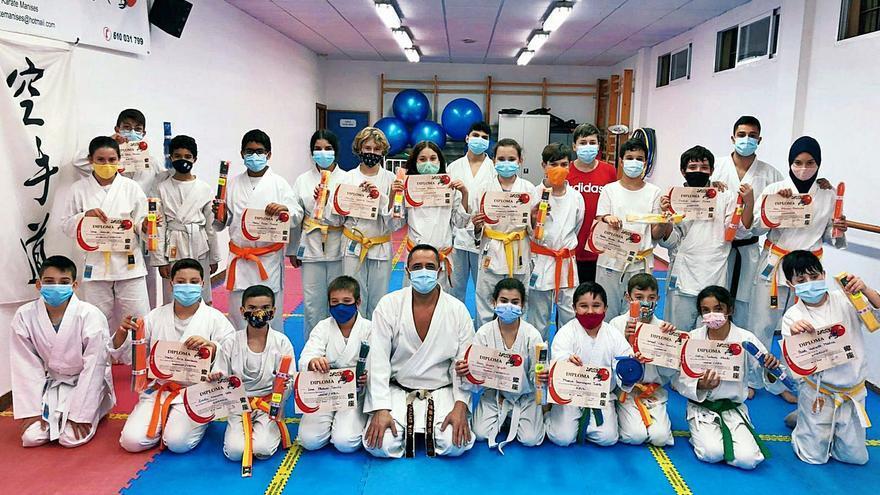El karate gana el combate a la covid