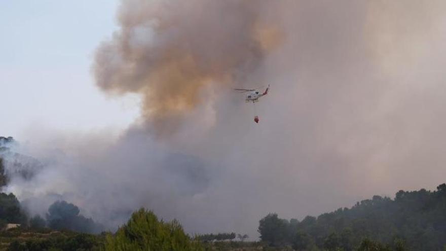 Incendio forestal en Monóvar