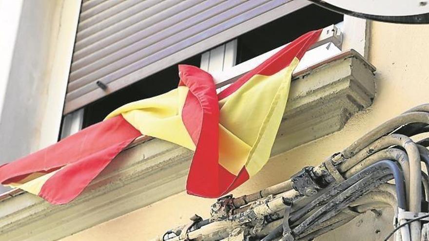 Las banderas pierden lustre
