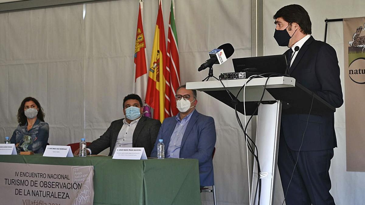 El consejero de Fomento y Medio Ambiente inaugura el congreso en las Lagunas de Villafáfila .   Junta