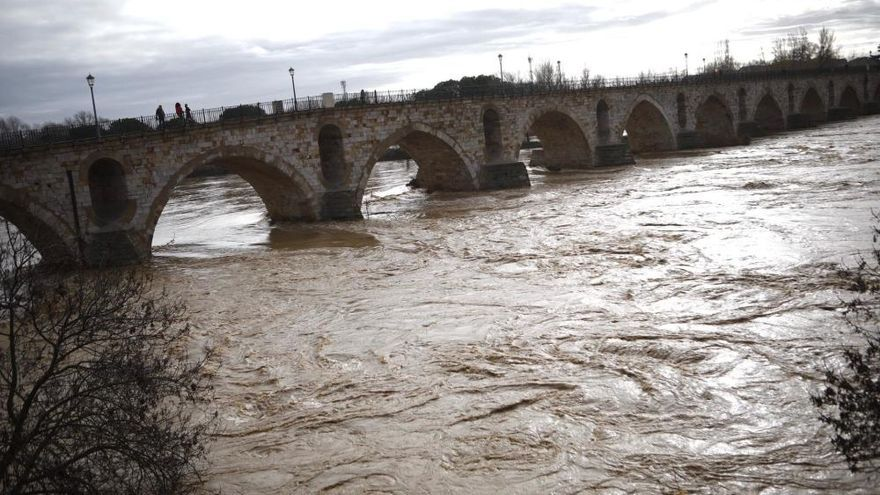 La CHD desactiva la alerta en el Duero en Zamora pero la mantiene en Toro