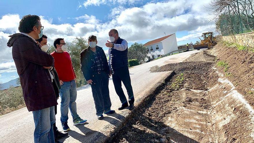 El alcalde de Antequera propone a la Diputación el arreglo de la carretera entre La Joya y el Valle de Abdalajís