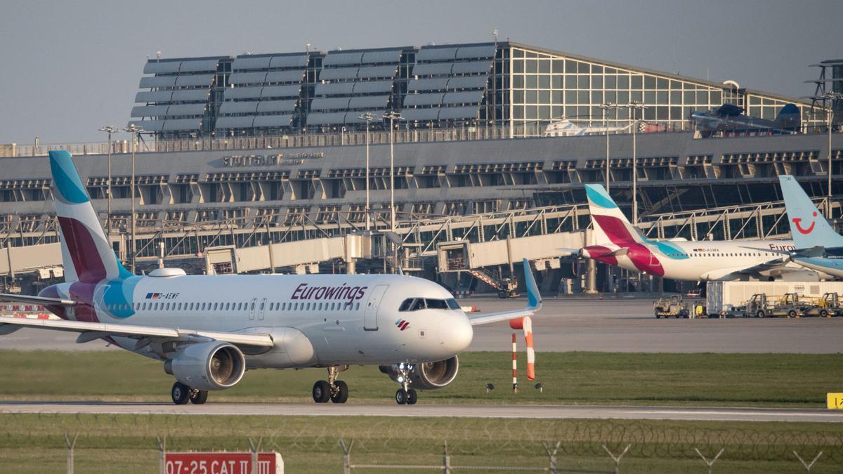 Eine Eurowings-Maschine am Flughafen Stuttgart.