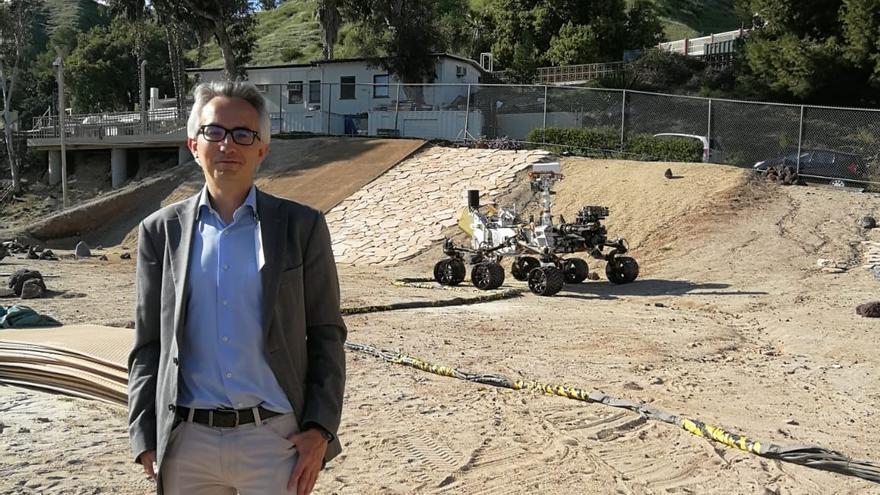 """El asturiano que vivió los """"siete minutos de terror"""" del aterrizaje en Marte"""