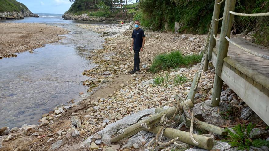 Vecinos de Hontoria reclaman mejoras en la playa de La Huelga (Llanes)