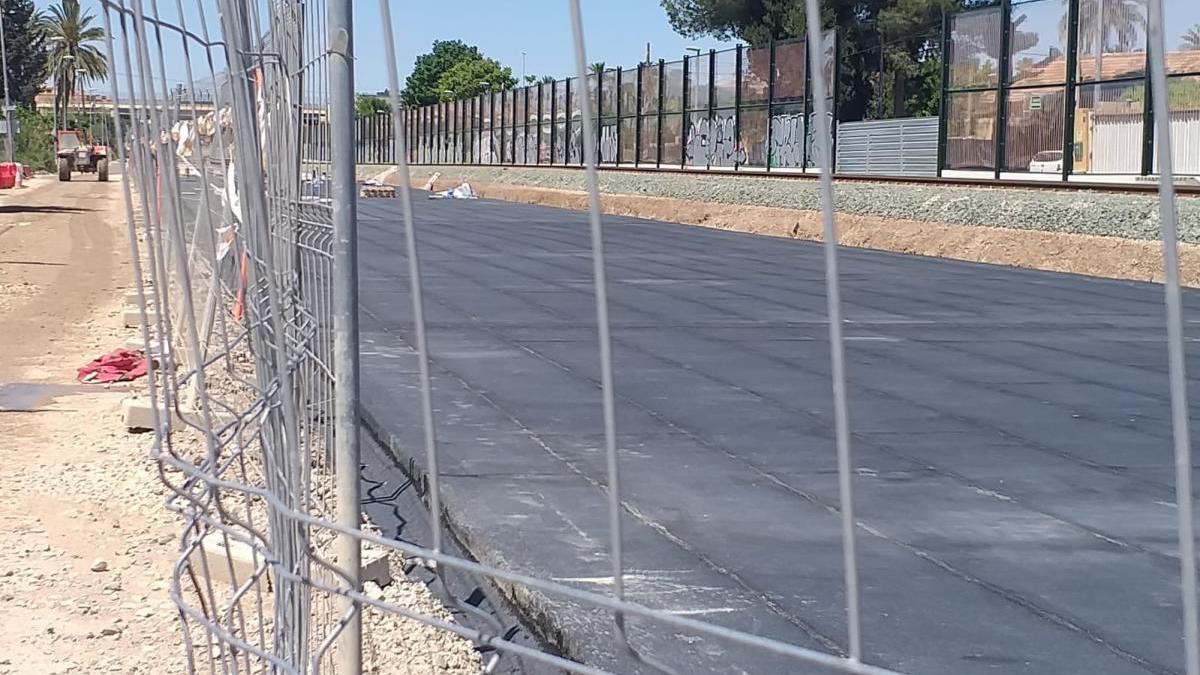 Ábalos dice que no pararán obras a punto de concluir, como el AVE a Murcia