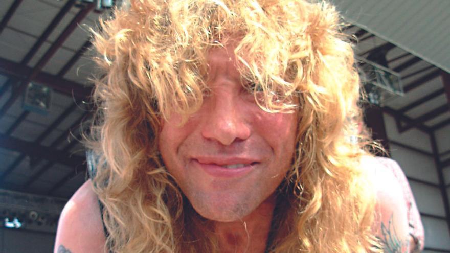 Steven Adler, exbatería de Guns n' Roses, hospitalizado tras apuñalarse