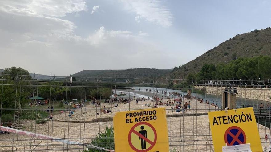 Los vecinos de Antella reclaman prohibir el pícnic y la venta de bebidas en l'Assut