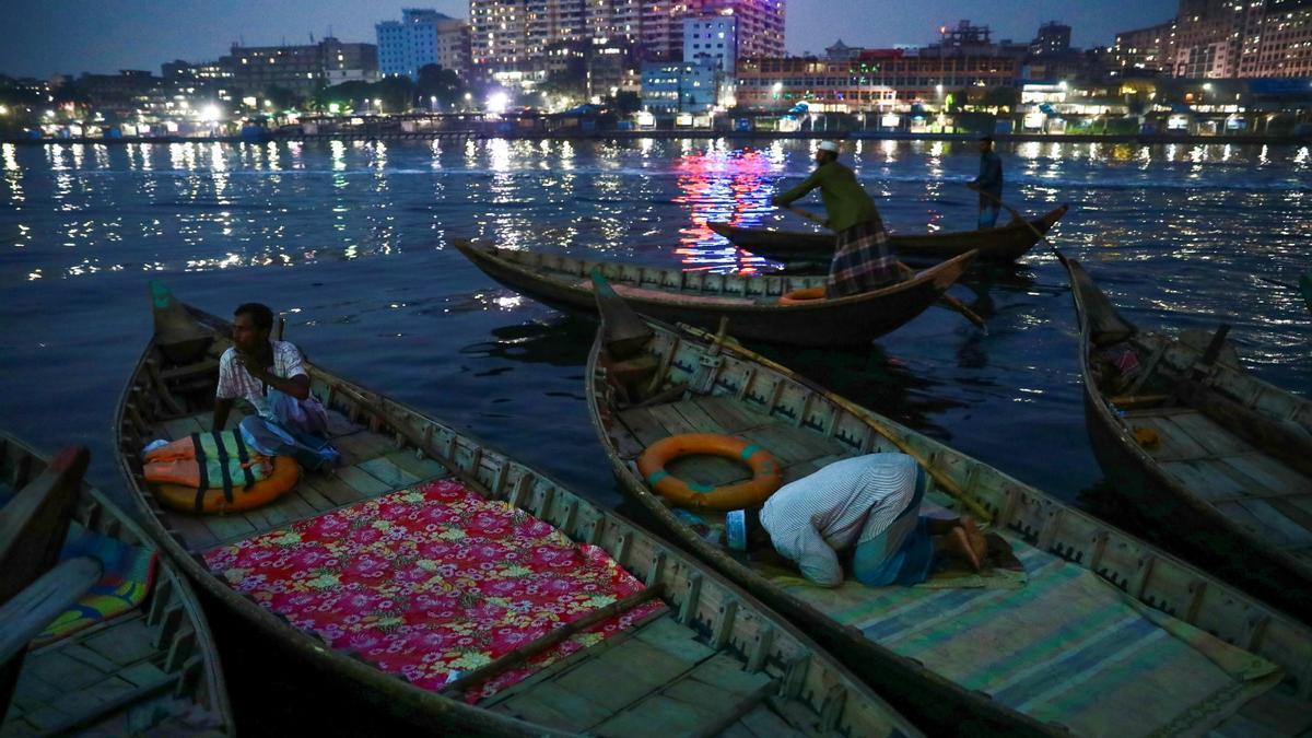 La embarcación con pasajeros navegaba de manera ilegal.