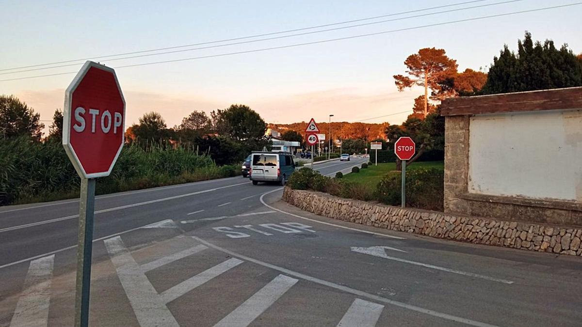 Uno de los puntos de la carretera del Portitxol donde los vecinos piden un paso   CARLOS LÓPEZ