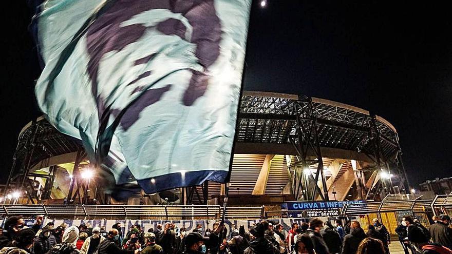 """El acto de fe de Nápoles por """"San Maradona"""""""