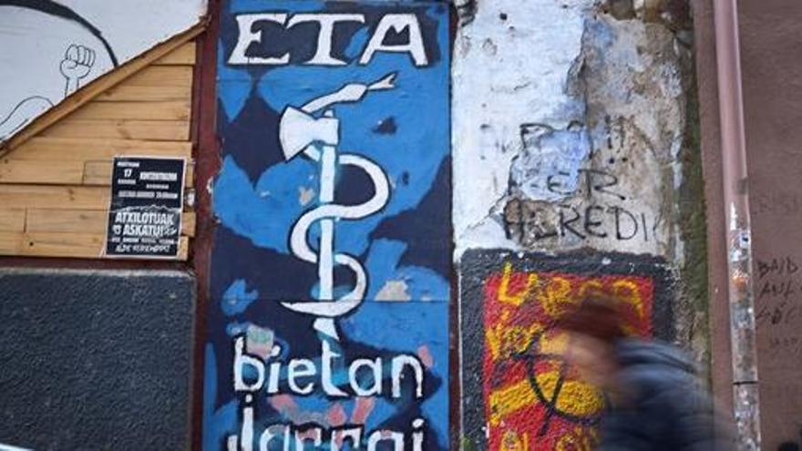 ETA demana perdó i reconeix «el dany causat» a les víctimes «no relacionades amb el conflicte»