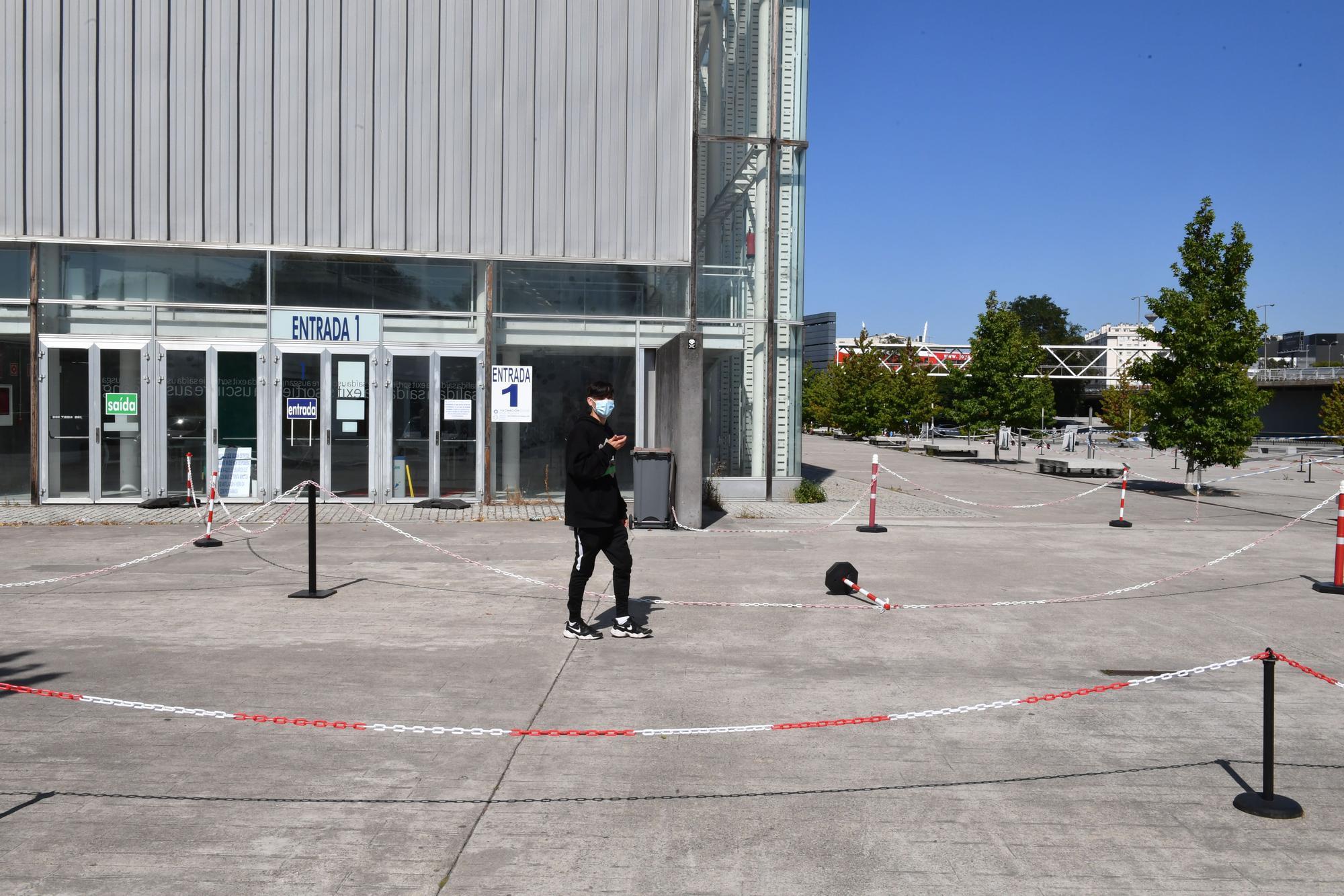 Arranca la vacunación de menores de 20 años en A Coruña