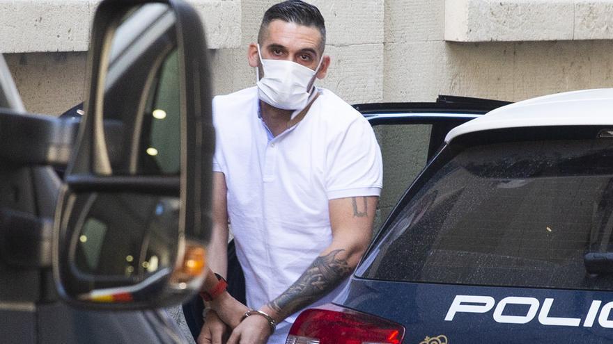 Uno de los 10 fugitivos más buscados acepta tres años y nueve meses de cárcel por dos tentativas de homicidio
