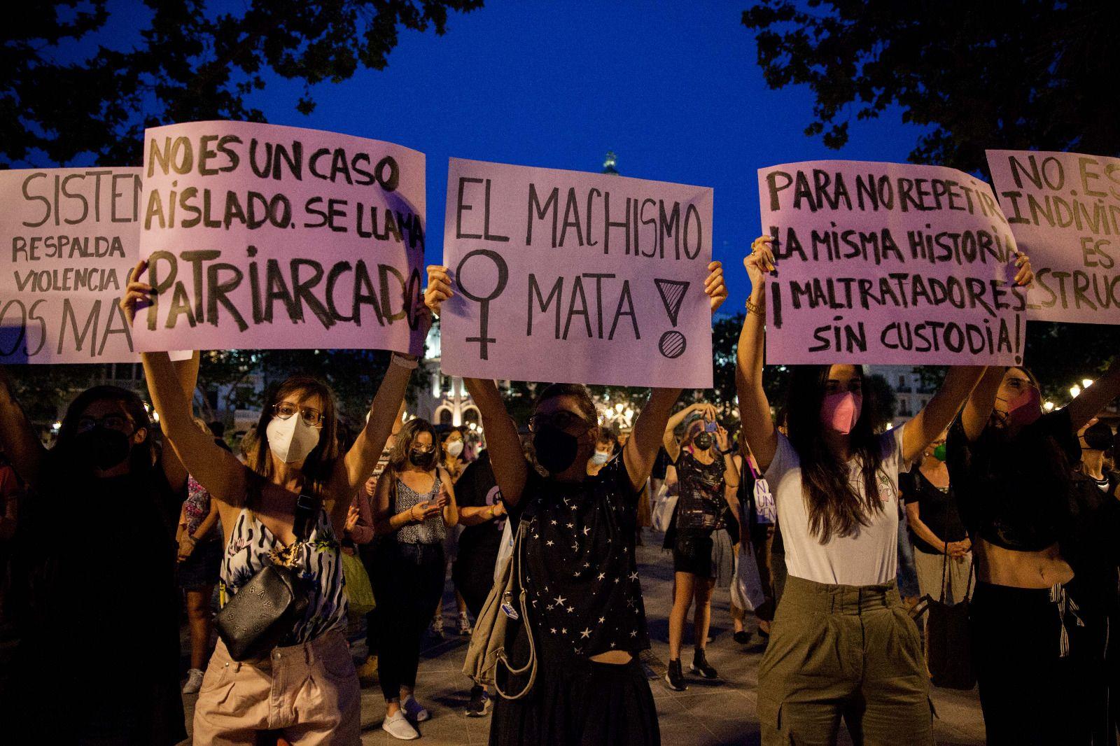 Protesta en València contra la violencia machista