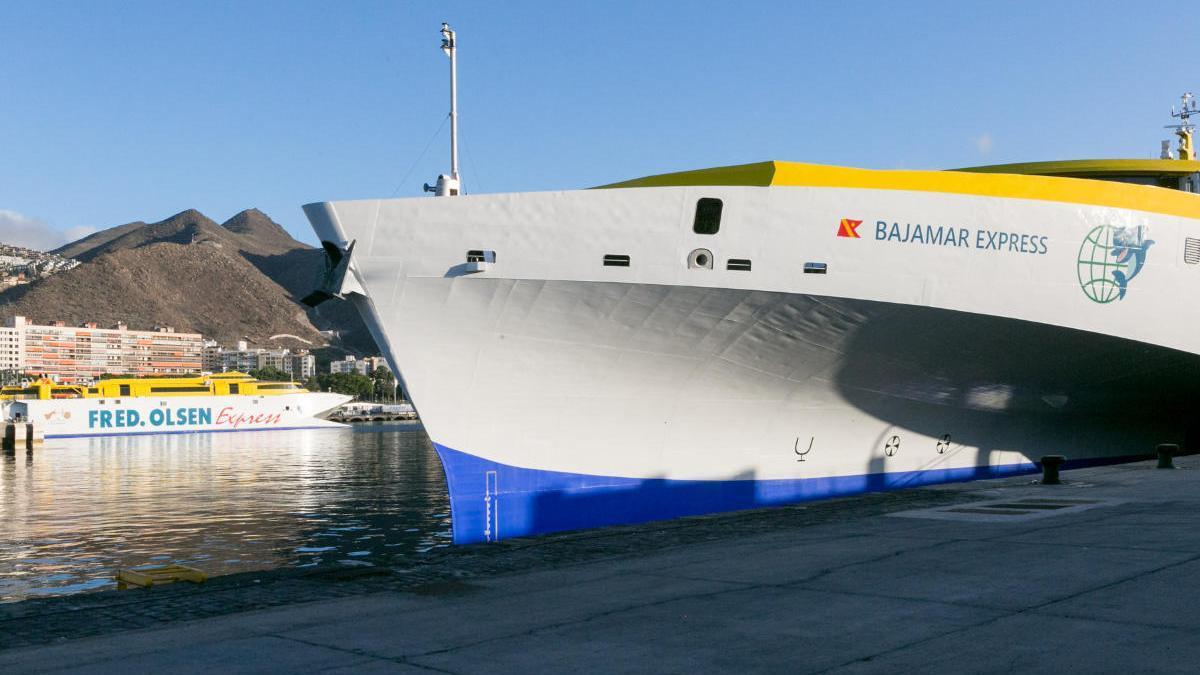 Inauguración del nuevo trimarán de Fred Olsen, Bajamar Express, en el puerto de Santa Cruz de Tenerife