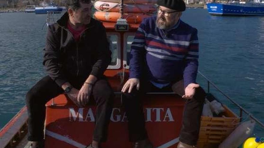 """El equipo de """"Ribeiras de salitre"""" de la TVG visita hoy el puerto coruñés de Cariño"""