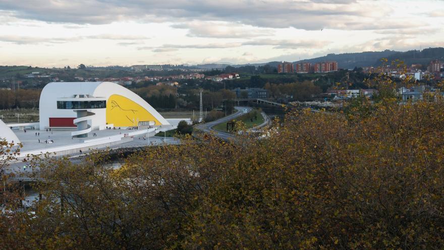 El Niemeyer sube todos sus sueldos pese a que ingresará un 63% menos este año
